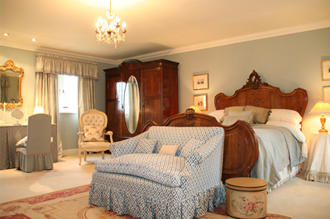 A luxurious double B&B room at Mole End Bed and Breakfast in England's Cotswolds